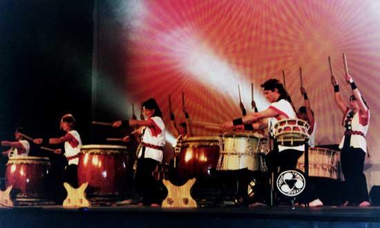 2004: Door of<br/> Hope concert, Launceston